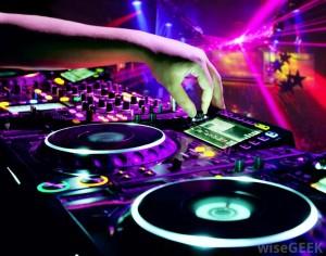 dj-spinning-at-a-club