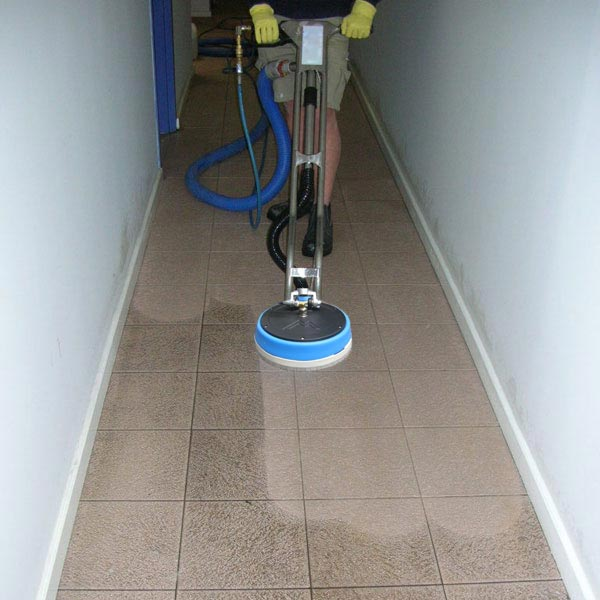 tile-and-grout-cleaning-machine